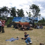lounge-on-the-farm-graffiti